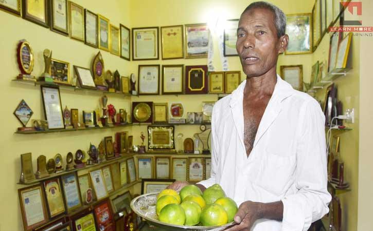 Harekala Hajabba (हरेकला हजब्बा) – फल बेचने से शिक्षा प्रदान करने तक की कहानी